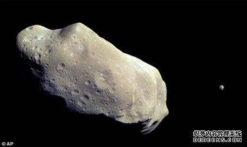 含一亿吨白金小行星接近地球 价值逾5万亿美元